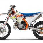 KTM、MY2022エンデューロモデル12機種を発表 - 386917_300-EXC-TPI-Six-Days_90de_le_MY22
