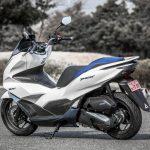 「もはや125ccスクーターではない」モーター駆動をプラスしたハイブリッドスクーター、新型PCX e:HEV。|ホンダ - big_4136628_202101291124250000001
