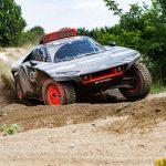 アウディ、ダカール・ラリー参戦を発表! 電動プロトタイプ「RS Q e-tron」で挑戦 - Road to Dakar - Test Audi Sport