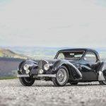 """約7億円のブガッティ ディーヴォ「最後の1台」がデリバリー。40台目がまとう""""青""""の意味とは - GQW_04_1937_bugatti_type_57s_atalante-11"""