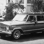 ジープの未来予想図をキャッチ。電動化を「ワクワク」に繋げる方法を小川フミオが解説 - GQW_1963_Jeep_Wagoneer