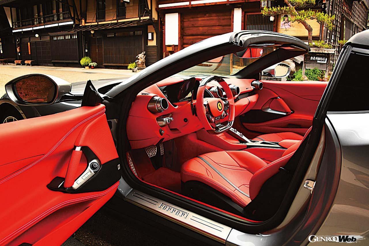 フェラーリ 812 GTSのインテリア