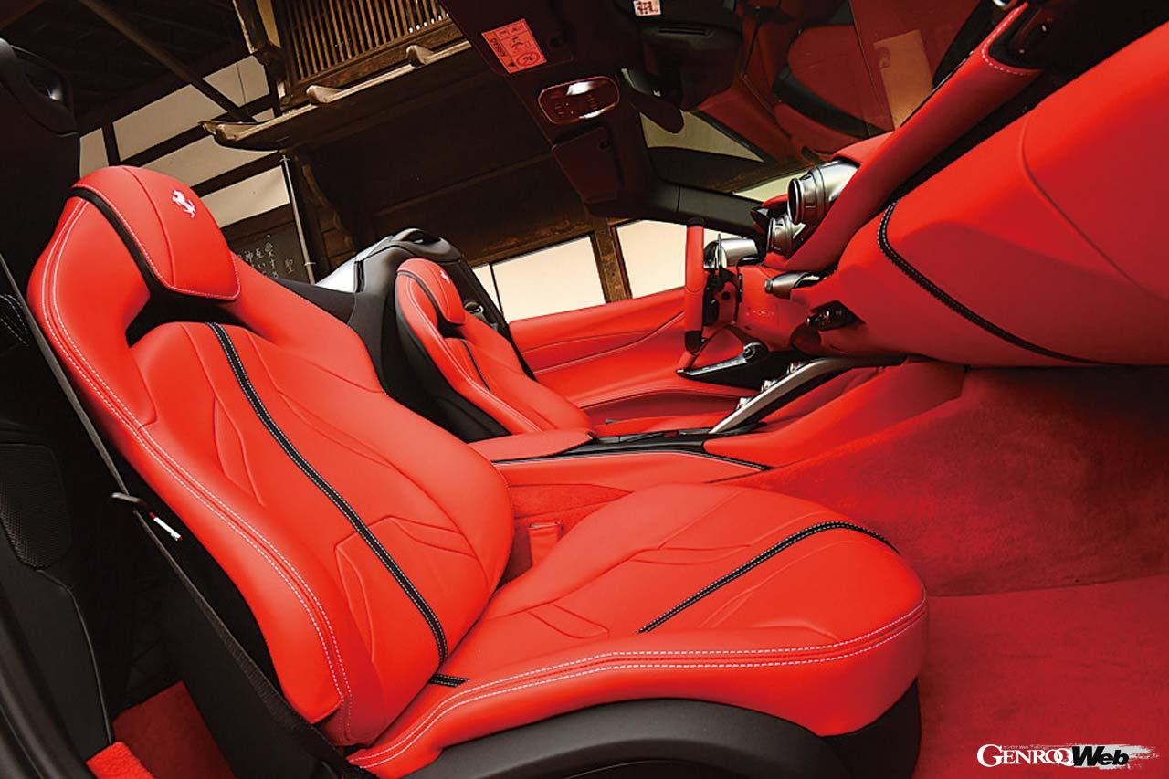 フェラーリ 812 GTSのシート