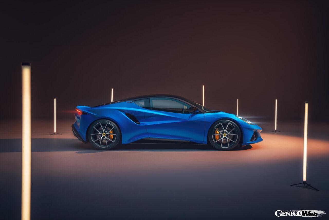 「ロータス エミーラが全貌を公開! 最後の内燃機関にはトヨタ製V6とAMG製直4ターボの2種類を用意」の3枚目の画像