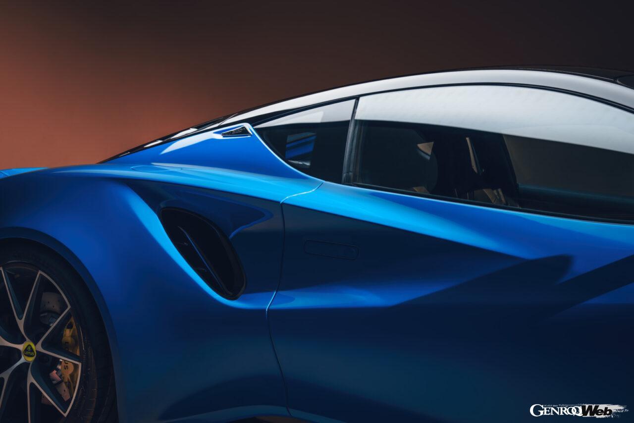 「ロータス エミーラが全貌を公開! 最後の内燃機関にはトヨタ製V6とAMG製直4ターボの2種類を用意」の17枚目の画像