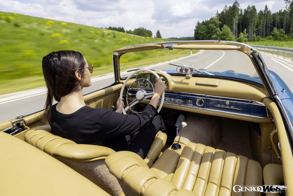 300 SL ロードスターのコクピット