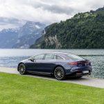 メルセデスのフラッグシップEV、EQS初試乗! 渡辺慎太郎がスイスの試乗会で実感した「らしさ」とは - GQW_Mercedes-Benz_EQS_580_4MATIC_072823