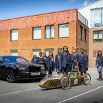 ロールス・ロイスが英国の中学校にEVキットを進呈。「夢のクルマ」の担い手に贈る特別な贈り物 - GQW_Rolls-Royce_Young_Designer_07206