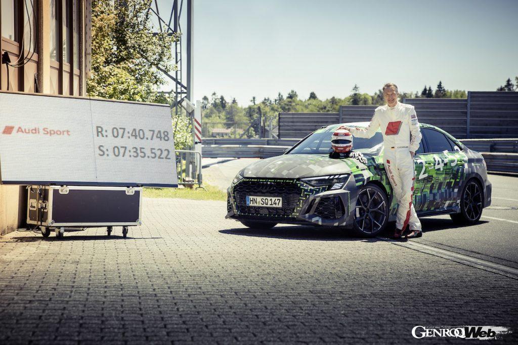 新型アウディ RS 3 セダンでニュルのコンパクト部門記録を更新したフランク・スティップラー氏