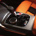 現代スポーツカーの指針、ジャガー Fタイプ RとBMW M3 コンペティション。2台が繰り広げる甲乙付け難い名勝負! - GQW_M3_AD4I0556