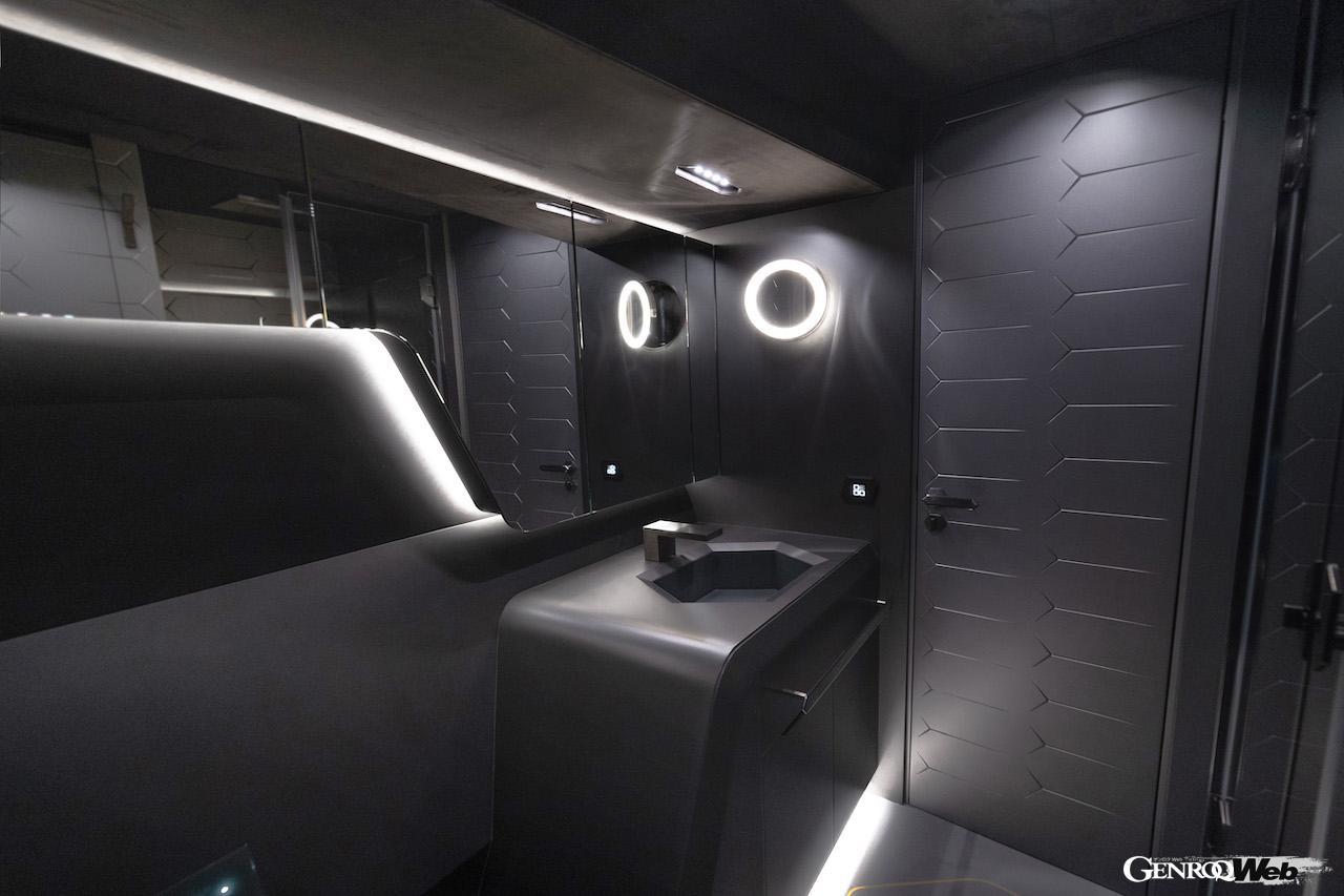 Tecnomar for Lamborghini 63の船内イメージ。洗面所