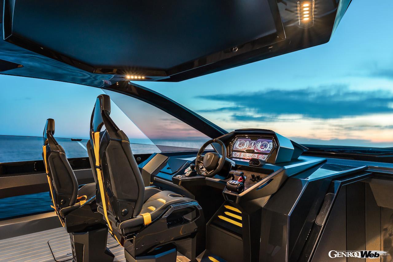 Tecnomar for Lamborghini 63。コクピット