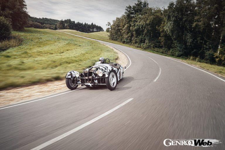 モーガン・モーターカンパニー、「3ホイーラー」後継3輪モデルのテスト写真を公開