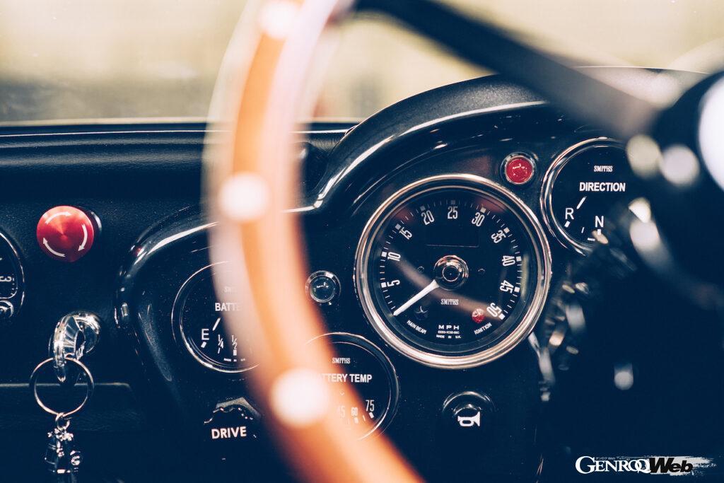 アストンマーティン DB5 ジュニア ノー・タイム・トゥ・ダイ仕様のメーター