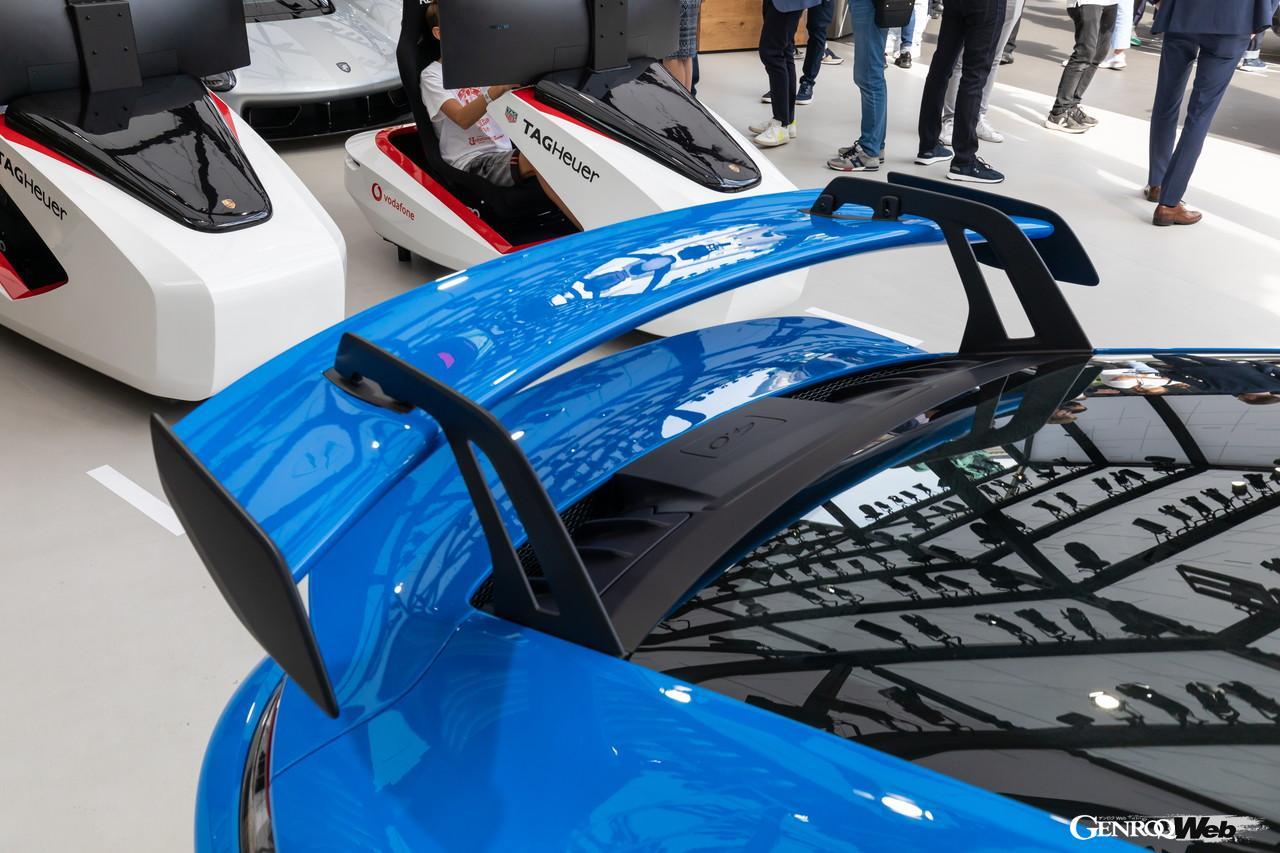 「ポルシェ、純内燃機関の究極完成系「992型GT3」をIAAで披露 【IAAモビリティ レポート】」の5枚目の画像
