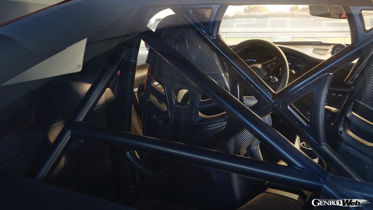 「ポルシェ、純内燃機関の究極完成系「992型GT3」をIAAで披露 【IAAモビリティ レポート】」の10枚目の画像
