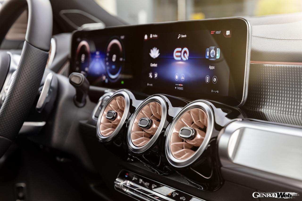 「メルセデス・ベンツ GLBのEV仕様に注目! 電気で400km以上走れる超実用派の小型SUV 【IAAモビリティ レポート】」の15枚目の画像