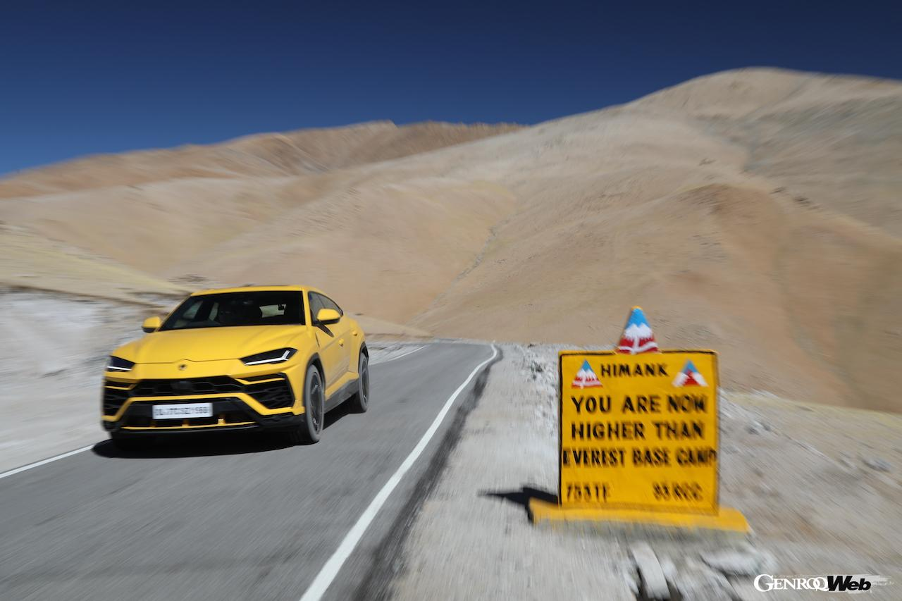 「ランボルギーニ ウルス、エベレストのベースキャンプより標高の高い道路を走破」の7枚目の画像