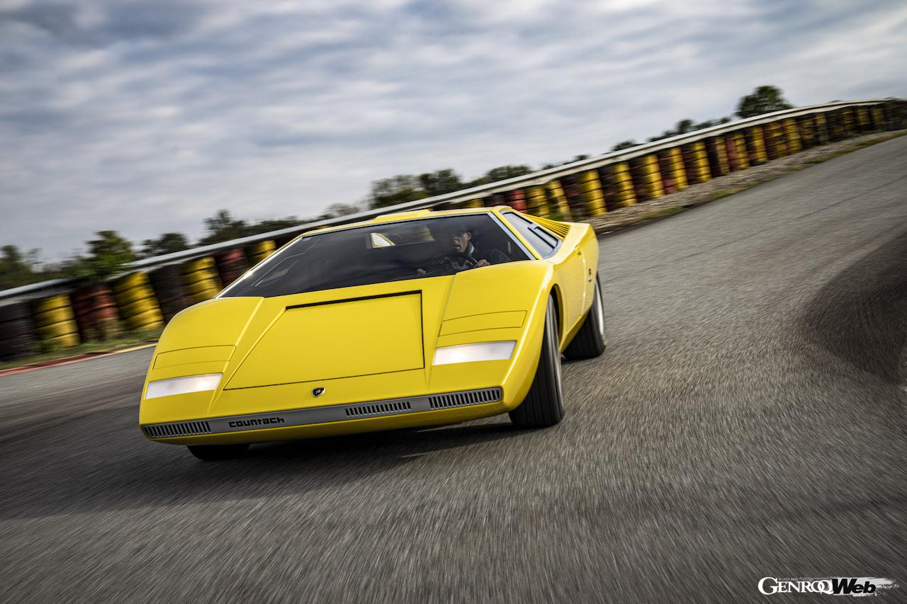 ポロストリコで再製作された「ランボルギーニ カウンタック LP500」が、ヴィッツォラ・ティチーノ・サーキットでシェイクダウンイベントを開催した。