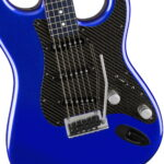 ギターの名門「フェンダー」がレクサスとコラボ! 実車と同じ塗装を採用した特別モデルを発売 【動画】 - GQW_Fendar_9235001665_fcs_ins_fbd_1_nr