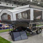 【このキャンピングカーが欲しい!】牽引時はコンパクト、宿泊時はテントのような空間が広がるキャンピングトレーラー フォレストリバー ロックウッド フリーダム - FOREST RIVER_2