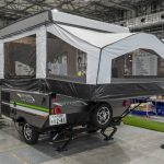 【このキャンピングカーが欲しい!】牽引時はコンパクト、宿泊時はテントのような空間が広がるキャンピングトレーラー フォレストリバー ロックウッド フリーダム - FOREST RIVER_4