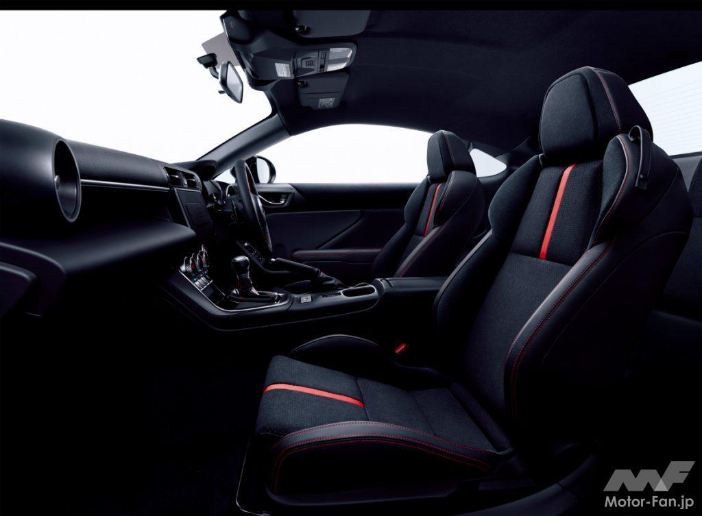 新型スバルBRZのSグレードのシート