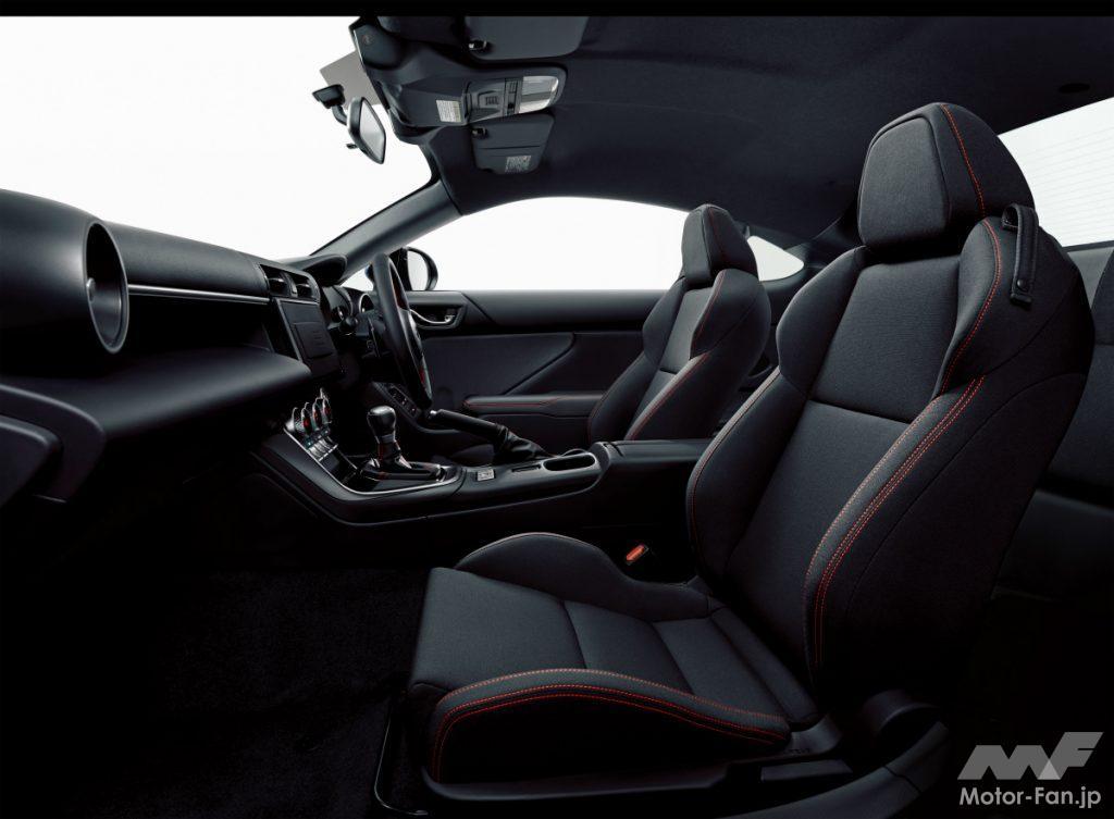 新型スバルBRZのRグレードのシート