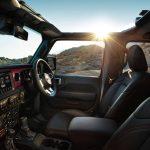 「全長5.5m超え!ジープ初のピックアップトラック「グラディエーター」が今冬に日本上陸! 発売に先駆けて特設サイトをオープン」の6枚目の画像ギャラリーへのリンク
