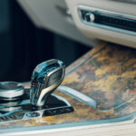 BMWの最上級SUV「X7」に限定モデル「西陣エディション」が登場! 日本が世界に誇る西陣の色彩芸術をインテリアに採用 - 0922_BMW-X7-Nishijin_05