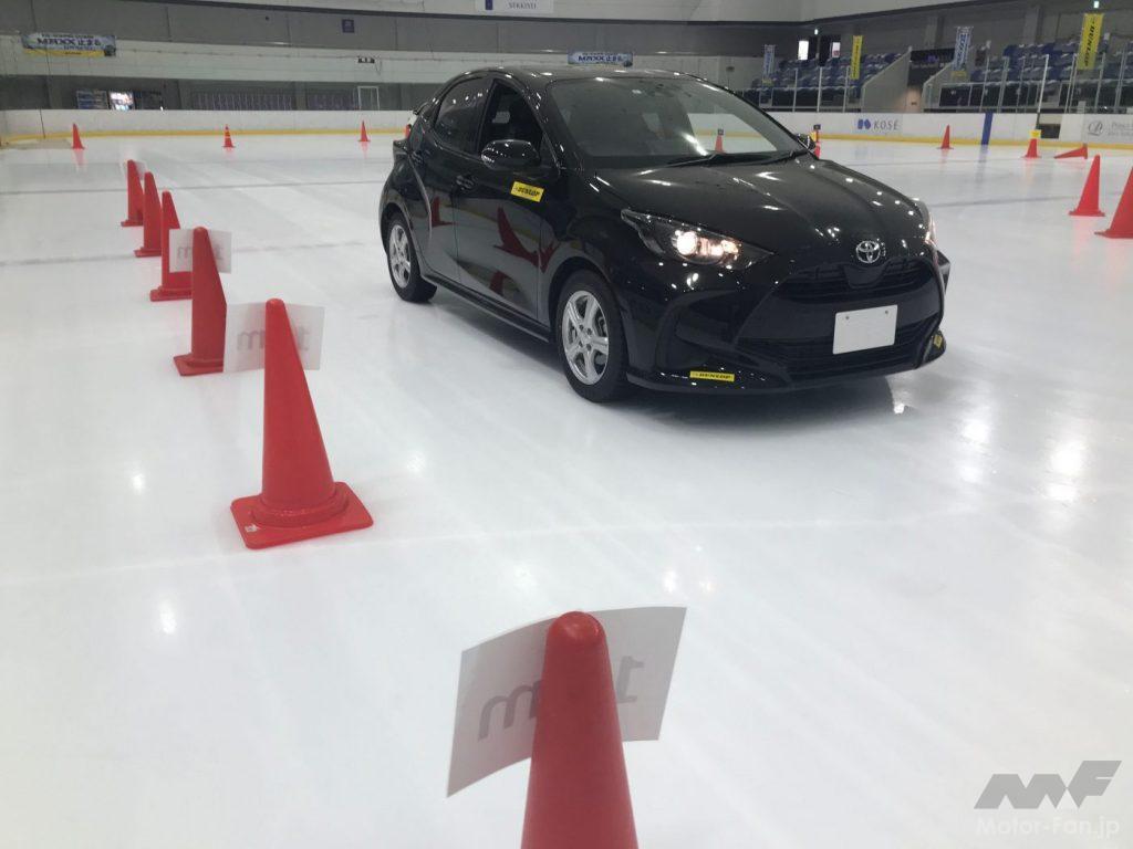 氷上ブレーキ性能のテスト風景