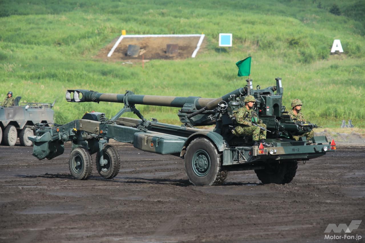 「スバル製水平対向エンジンで自走できる長距離砲「155㎜榴弾砲 FH-70」:陸上自衛隊」の1枚目の画像