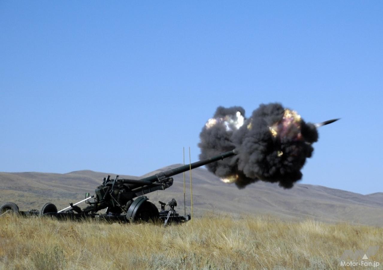 「スバル製水平対向エンジンで自走できる長距離砲「155㎜榴弾砲 FH-70」:陸上自衛隊」の4枚目の画像