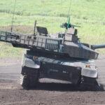 陸上自衛隊:最新世代戦車「10式戦車」の性能①、ヒトマルの機動力に注目する - 02_IMG_1927