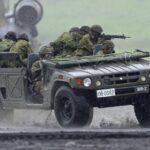 陸上自衛隊:多目的に使える人員輸送用車両「高機動車(コウキ)」のすごい実力 民生用はあのトヨタ・メガクルーザー - big_4567320_202009251954120000001