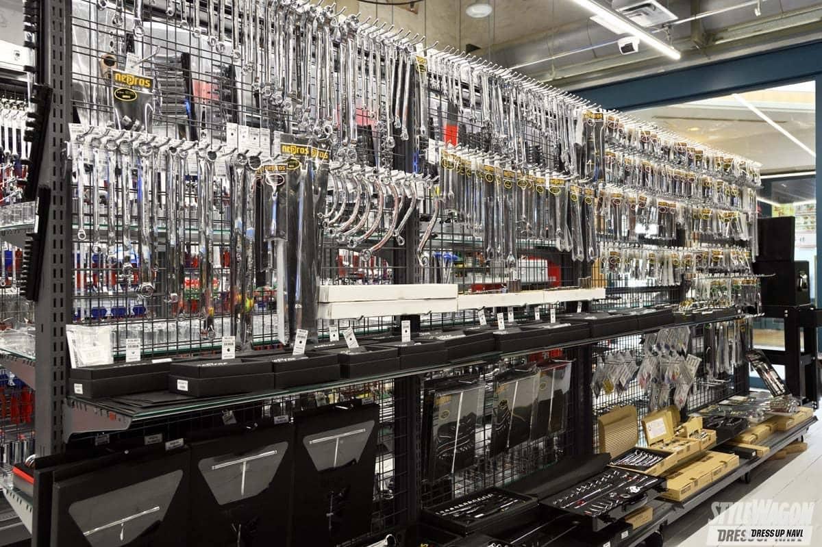 「工具好きのパラダイス空間! 商品展示をパワーアップしたファクトリーギアが移転オープン!」の3枚めの画像