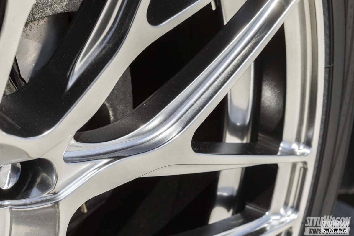 「洗練されたデザインと高品質! 高級車にマッチする鍛造トラフィックスターフォージド第一弾! ホイール カスタム」の2枚めの画像