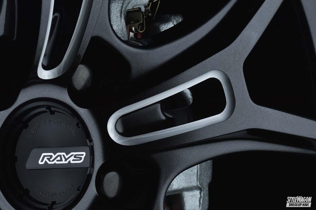 「【新サイズ追加】強靭なデザインで次世代を牽引するフラッグシップ|GRAM LIGHTS・57FXZ」の2枚めの画像