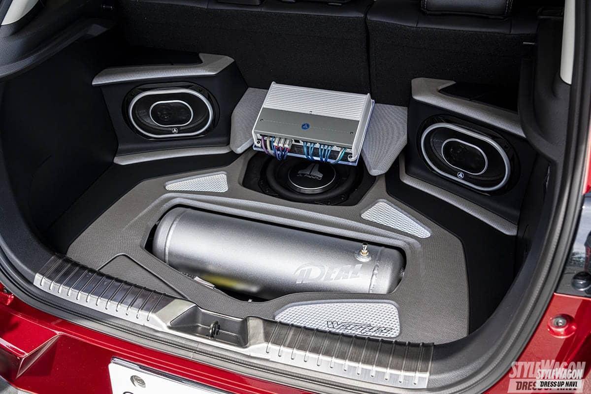 「【車高短系SUV_VOL1】エアサス派のCX-3と車高調派のCX-5 クーペのようなローフォルムが渋い!」の6枚目の画像