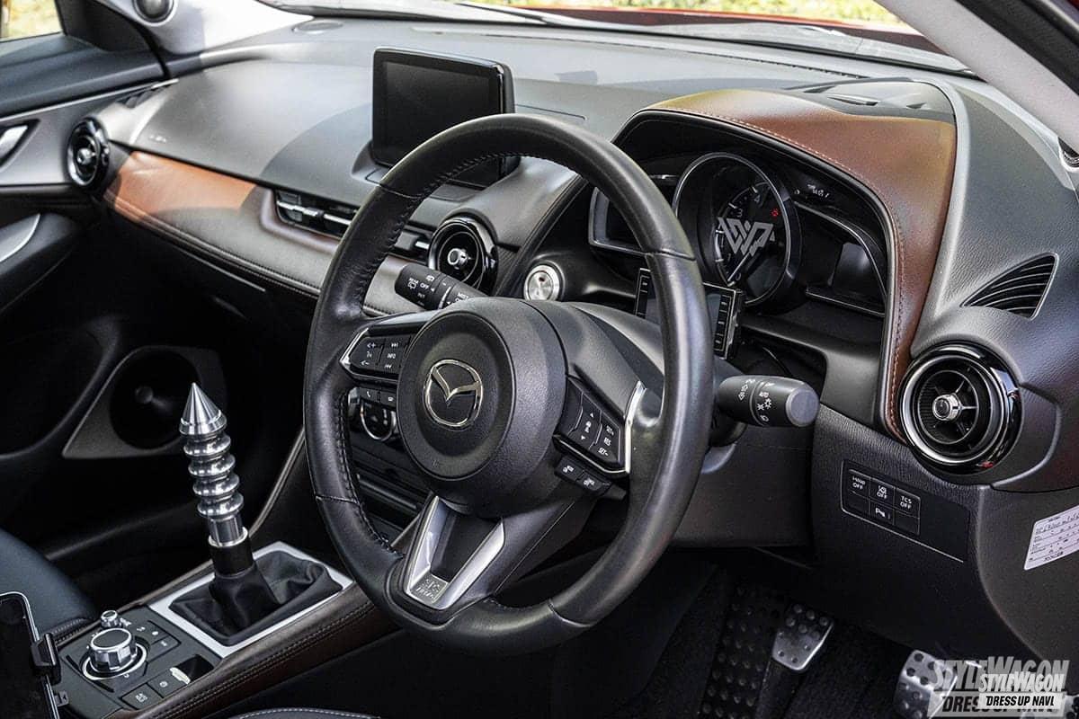 「【車高短系SUV_VOL1】エアサス派のCX-3と車高調派のCX-5 クーペのようなローフォルムが渋い!」の5枚目の画像