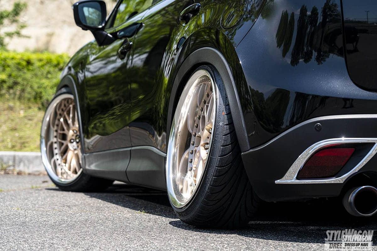 「【車高短系SUV_VOL1】エアサス派のCX-3と車高調派のCX-5 クーペのようなローフォルムが渋い!」の12枚目の画像