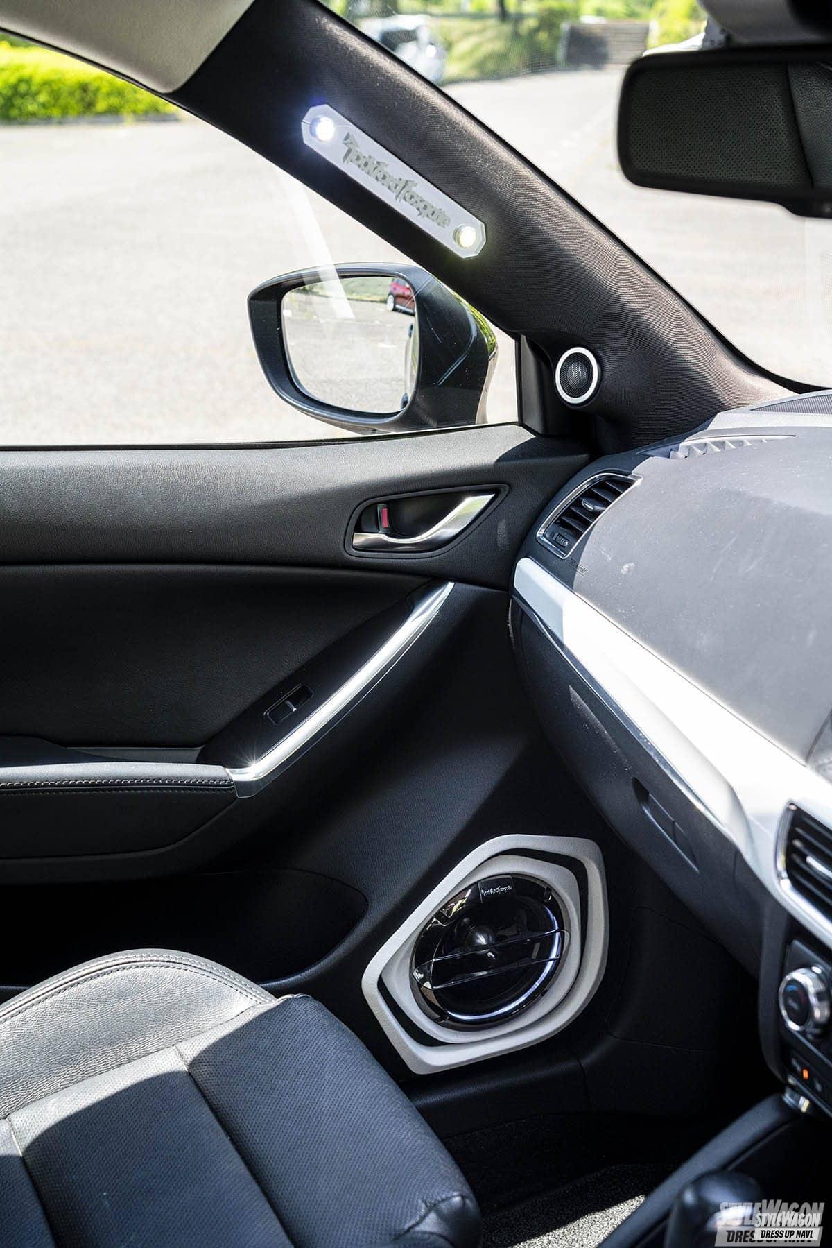 「【車高短系SUV_VOL1】エアサス派のCX-3と車高調派のCX-5 クーペのようなローフォルムが渋い!」の15枚目の画像