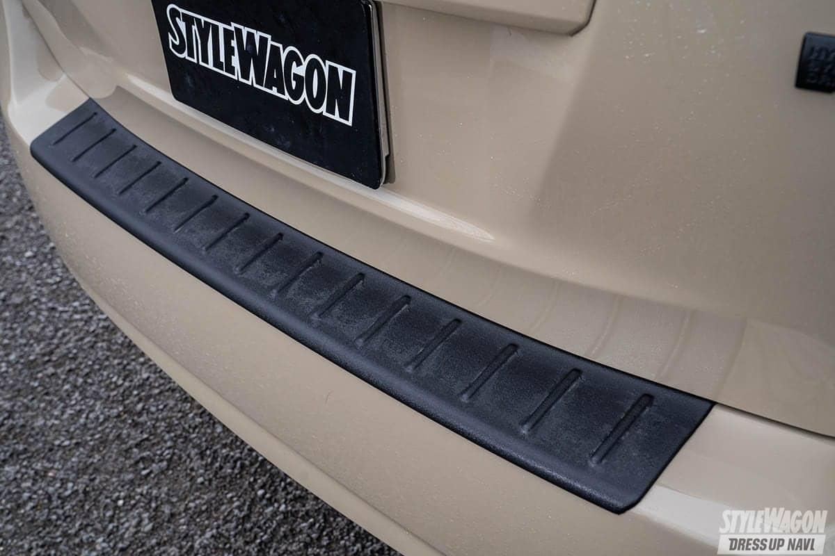 「【何故? 密かに人気】ミニバンUP STYLEの魅力 VOL5|実用的な車種で遊ぶ! プリウスαのアゲコンプリートカー」の3枚目の画像
