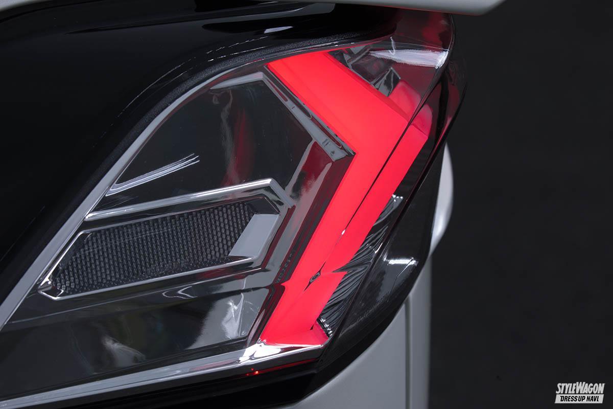 「【この光は美しすぎる】トヨタ 50系RAV4用フルLEDテールランプが10月発売予定! ウインカーも流れます」の5枚めの画像