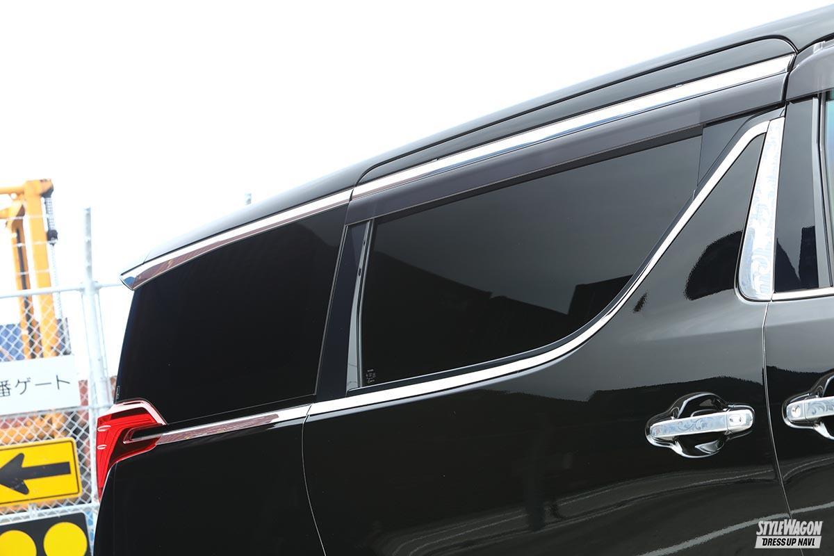 「【カッコ良いカスタム総点検_Vol.1】カスタムの大本命、「車高短」「ツライチ」を極める! トヨタ・30系アルファード編」の3枚めの画像