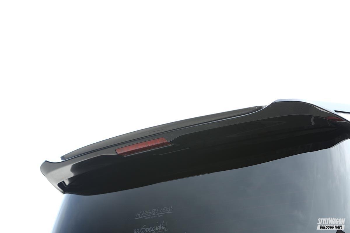 「【カッコ良いカスタム総点検_Vol.1】カスタムの大本命、「車高短」「ツライチ」を極める! トヨタ・30系アルファード編」の4枚めの画像