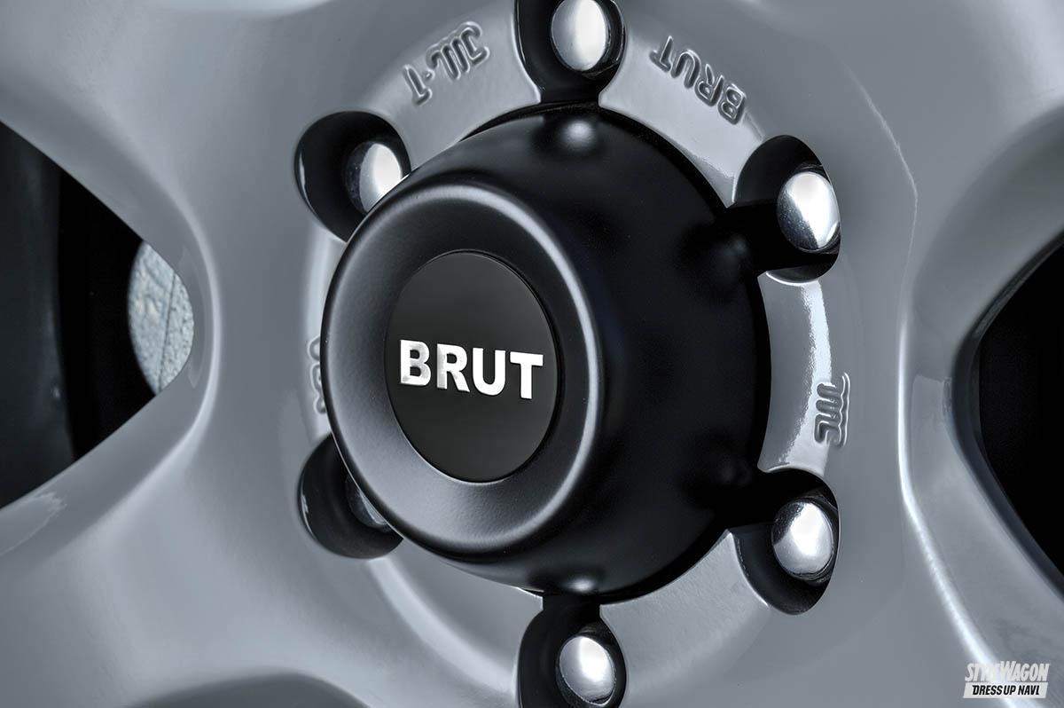 「【150系プラドにベストな17インチ】アームへの干渉を回避する! プラド狙いの7.5J+15を設定するブルート・BR-44|トヨタ・ランドクルーザープラド カスタム」の3枚めの画像