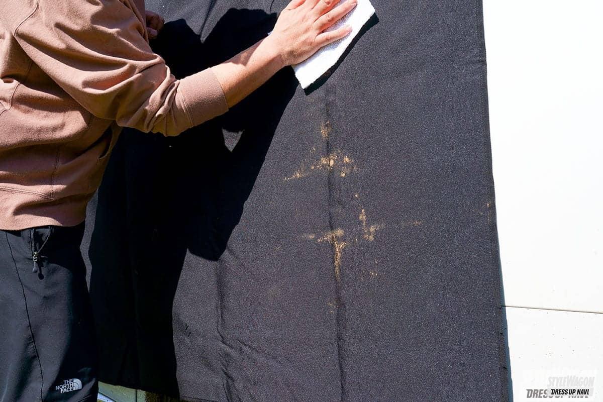 「【汚れた服でもシートを汚さず】梅雨時&キャンプで便利な汚れ対策ギア サクッと被せるシートカバー」の1枚めの画像
