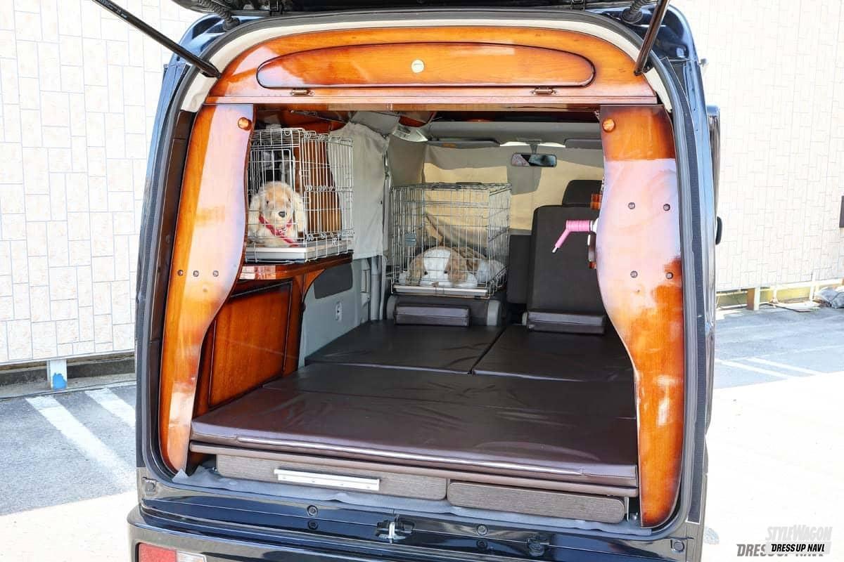 「ペットが一緒でも快適に過ごせる空間を追求! 大切な家族と過ごす充実装備の軽キャンコンプリート! スズキ・エブリイ ライトキャンパースタイル2021」の1枚めの画像