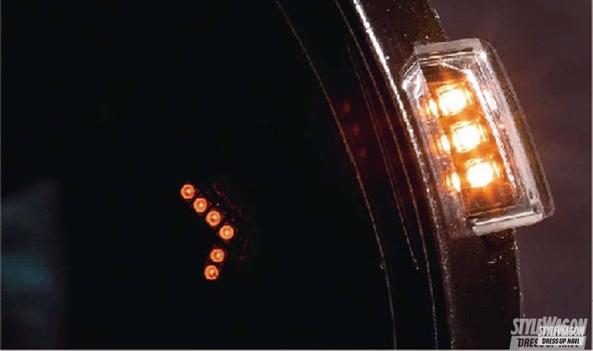「新色のイエローが映える! LEDウインカー付きの使えるドアミラーレンズ!|ヒカリモノ カスタム」の1枚めの画像